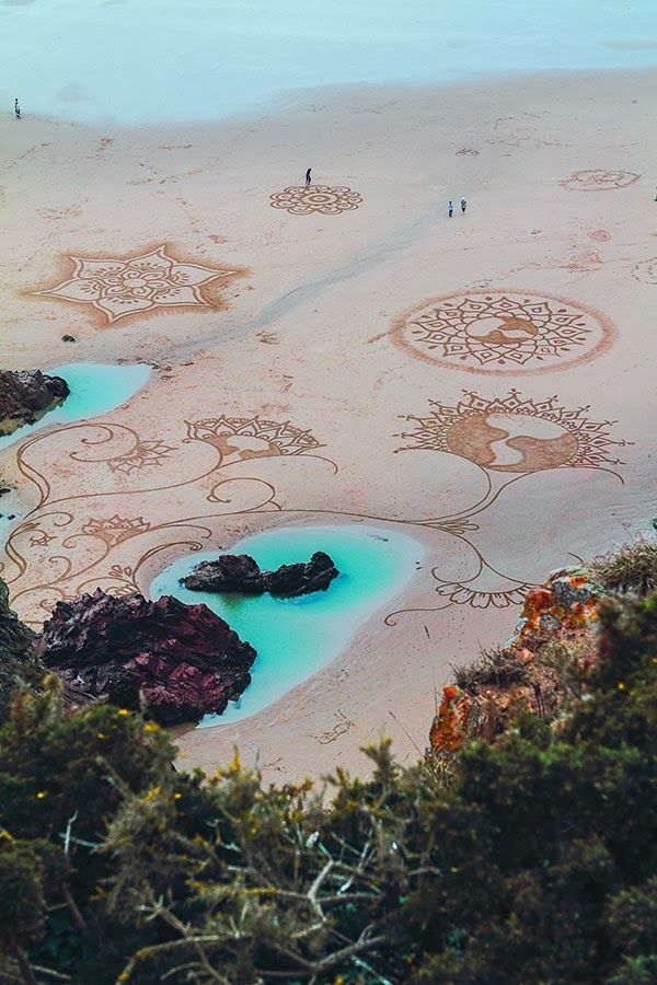 Faith is Torment | Art and Design Blog: Earthscapes: Sand Drawings by Andres Amador