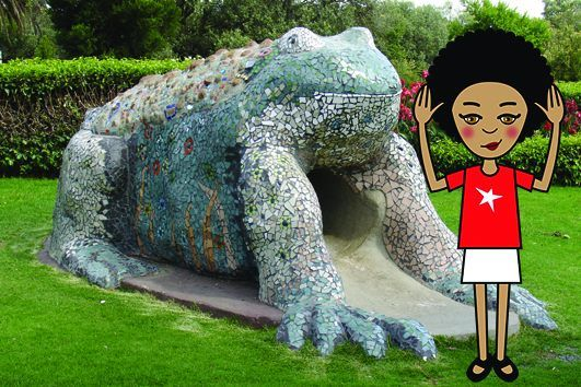 We've moved on to the Oliewenhuis Art Museum next door now. They have this thing called the Cement & Mosaic Project with 5 sculptures in the gardens - here I am with the frog. I'm racing my mom to see who can be the first to take selfies with all five! #zibu #heritagemonth #southafrica Moja Heritage Collection  http://tinyurl.com/ljgrsbx