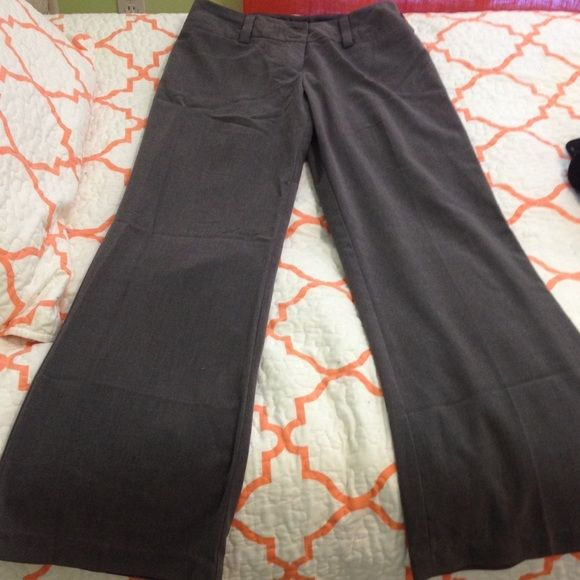 Grey dress pants Super cute and comfortable dress pants, only wore a couple times in great condition! A byer Pants