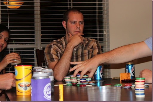 the best ideas to host your own poker night with all your friends and family!