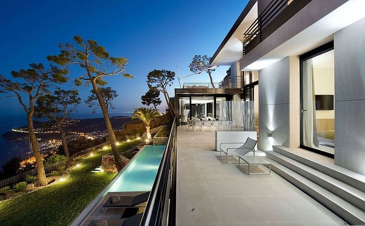 Bayview Villa in Côte d'Azur, France!  It doesn't get better than that,your thoughts?