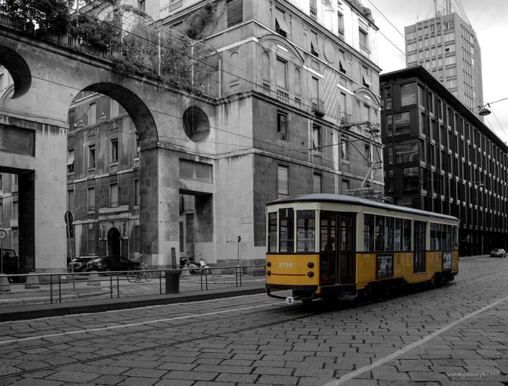 Tram Via Turati Photo by GiusyBaffi ©