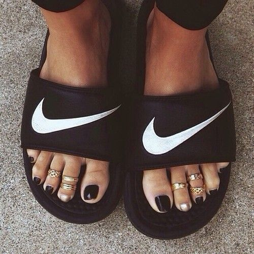 KorTeN StEiN women's slippers - amzn.to/2ikL0vs