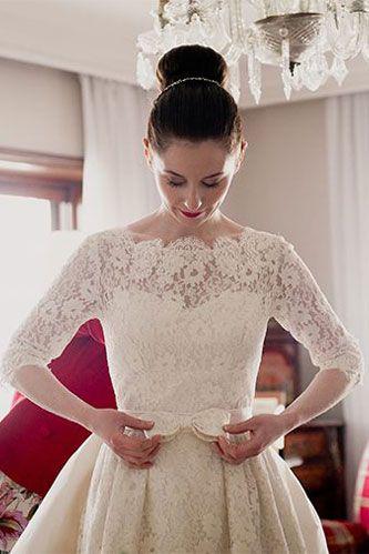 Do you prefer sleeves on your wedding gown or a sleeveless design? #weddingwednesday #wedding