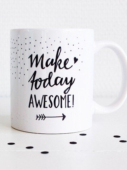Heb jij 's ochtends een steuntje in de rug nodig om de dag te beginnen? Doe dat samen met deze leuke koffiemok met opdruk 'Make today awesome'. Ook erg leuk om cadeau te geven!
