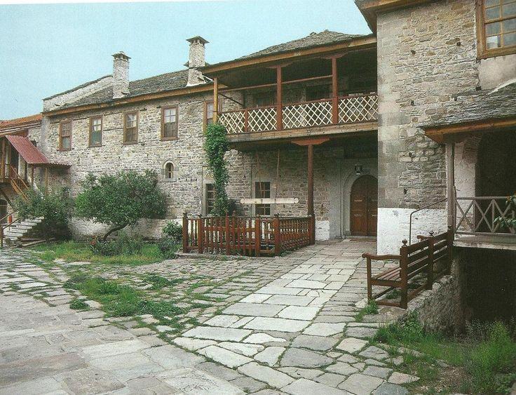 Η νότια κόρδα (Μονή Καρακάλλου, Άγιο Όρος) - The south range (Karakallou Monastery, Mt Athos)