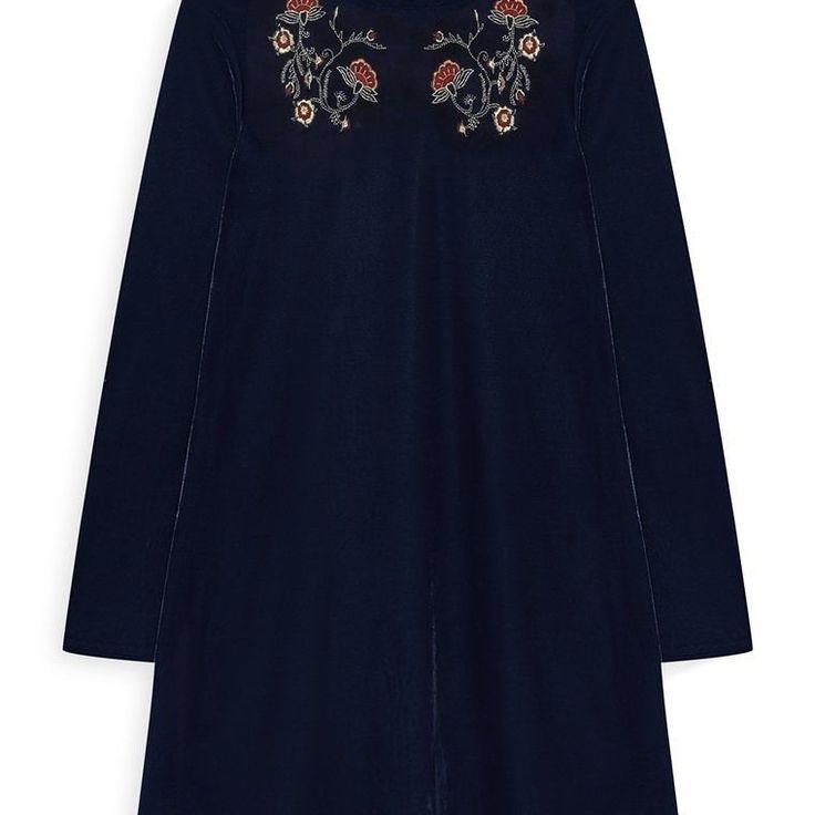 Vestido de terciopelo adornado  Categoría:#primark_mujer #ropa_de_mujer #vestidos en #PRIMARK #PRIMANIA #primarkespaña  Más detalles en: http://ift.tt/2o0Jjd4