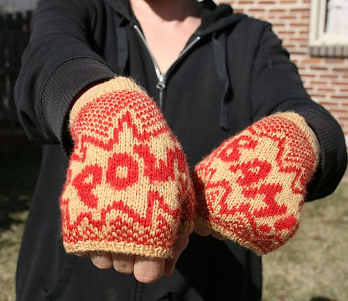 DIY Hand Knitted Gloves and Free Pattern