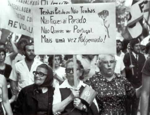 Centro de Documentação 25 de Abril [de 1974]. Portugal.