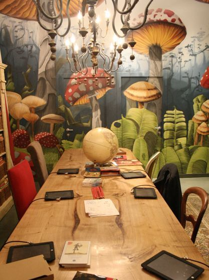 "Muraled Walls & Ceiling give diners the feeling that they did indeed ""eat the mushroom"" & are now in an enchanted world. ~ Magic Pudding Cafe -Barcelona #mural #cafe"