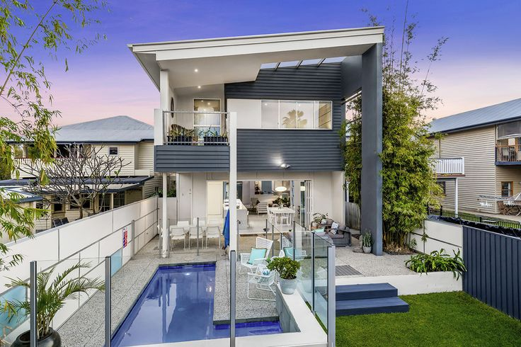 WYNNUM 21 St Catherines Terrace...Set over two contemporary levels of living, this ultra sleek residence is a statement of style and offers its own private sanctuary.