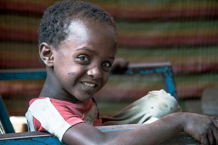 Etiopia, bimbo sordomuto