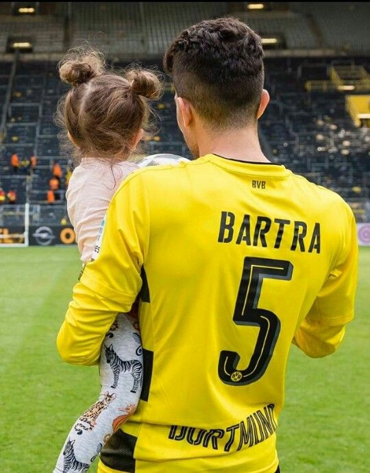 Marc Bartra and his daughter