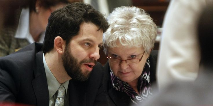 Vermont Lawmakers Threaten: Legalize Cannabis or Face Alcohol Prohibition | Weedist