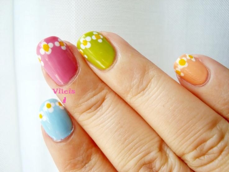 Diseño de uñas de flores de primavera.