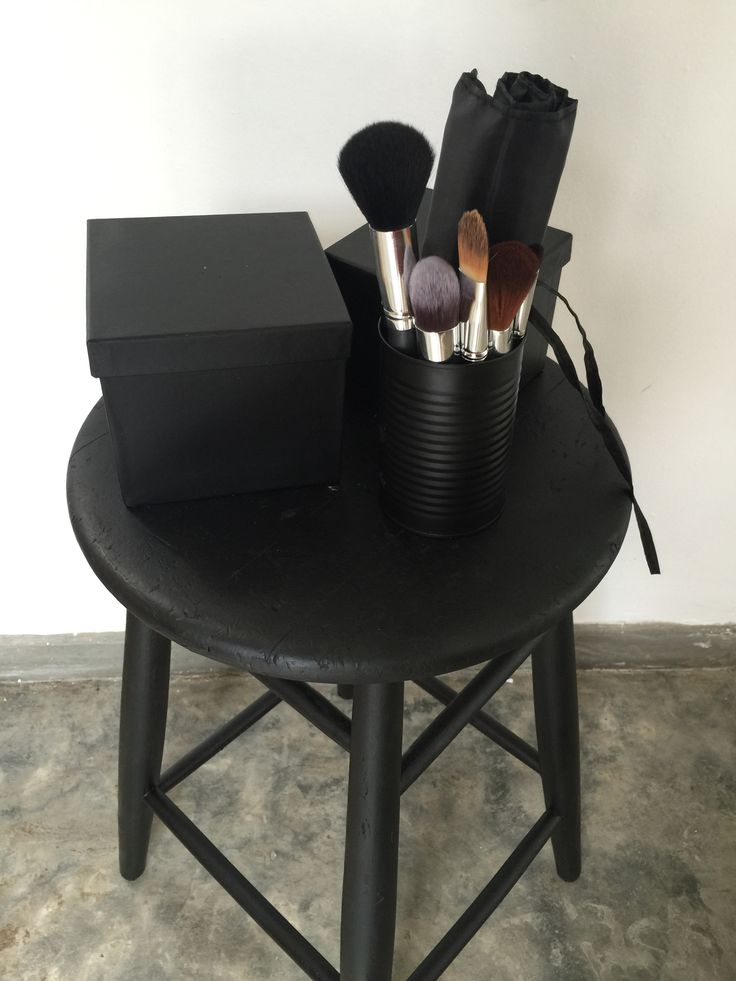 DIY matte black spray paint cans, boxes and stool