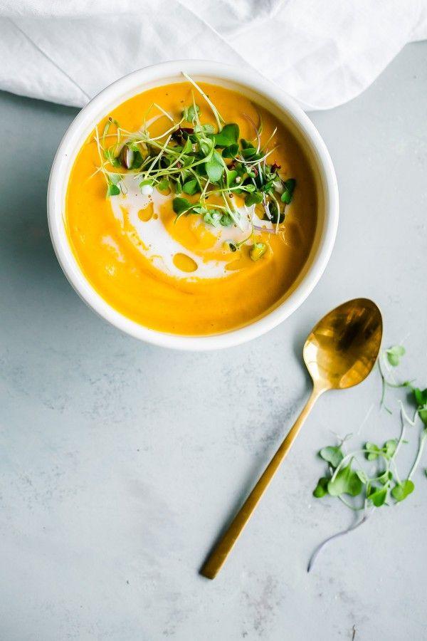 Vegan garam masala wortelsoep. Makkelijk te maken in minder dan 45 minuten! // via A Beautiful Plate