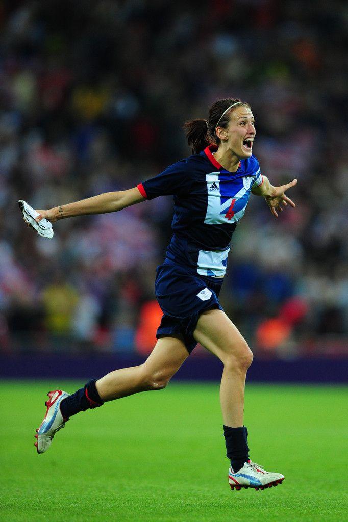 Jill Scott Photo - Olympics Day 4 - Womens Football - Great Britain v Brazil