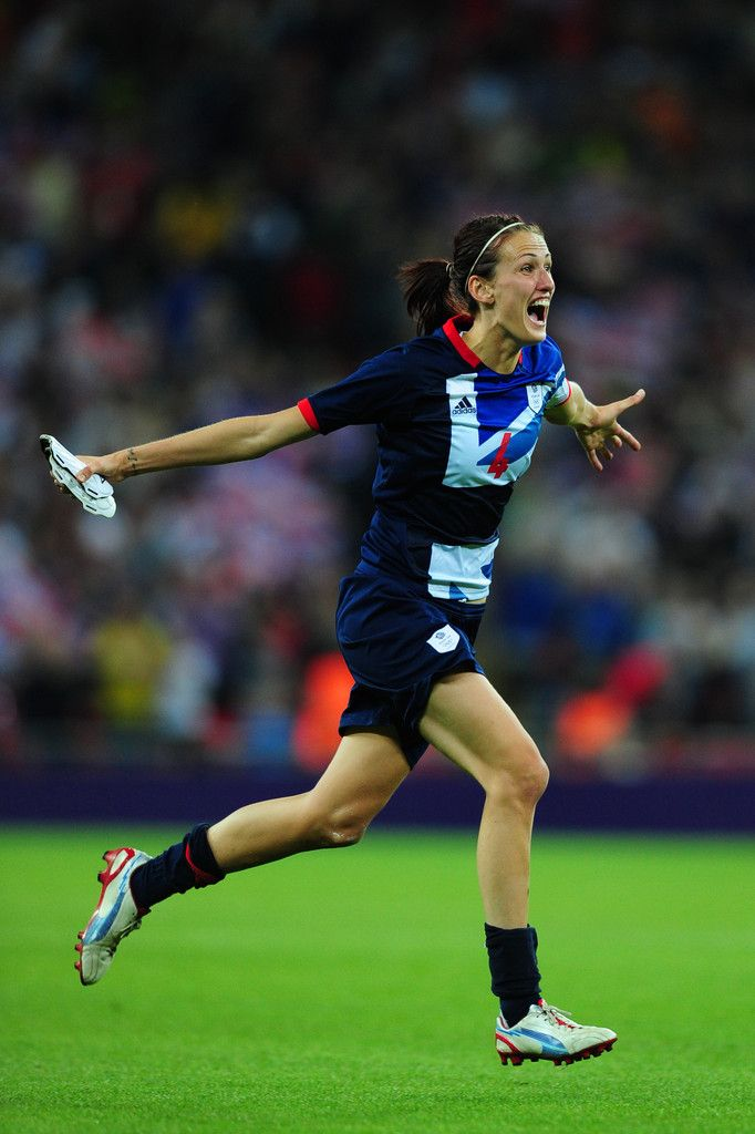 Jill Scott Photo - Olympics Day 4 - Womens Football - Great Britain v Brazil