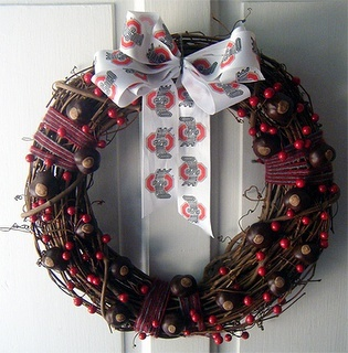 Here you go my Ohio State fan friends...Ohio State Wreath