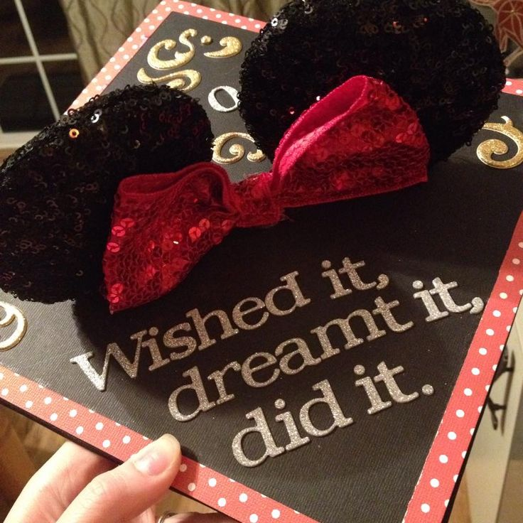 My beautiful Disney graduation cap.  (◡‿◡✿) - to the edge of the universe and back
