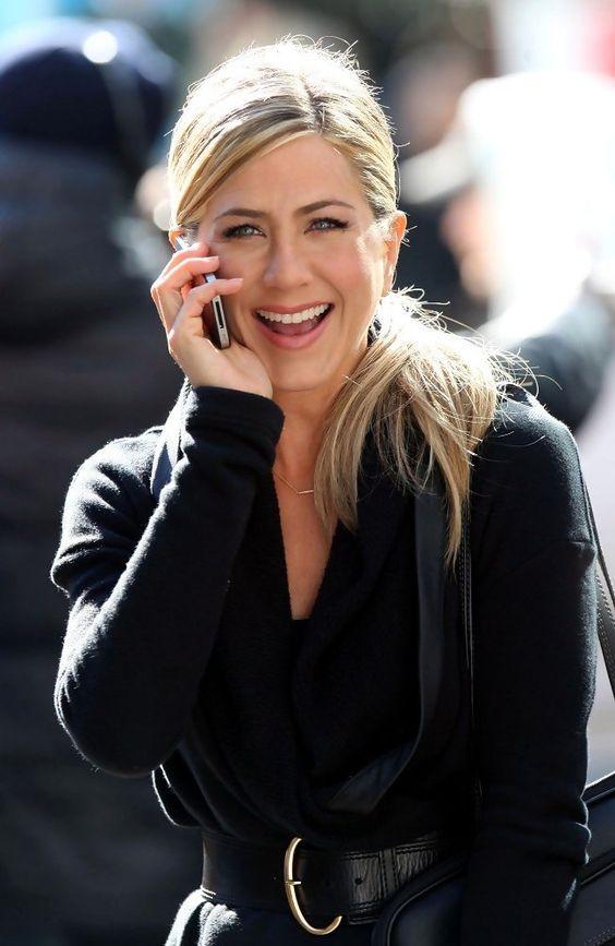 Jennifer Aniston - Jennifer Aniston and Paul Rudd Film 'Wanderlust' in the West Village