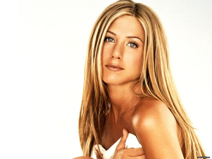 """According to certain reports in the past, Jennifer Aniston, who played the role of Rachel Green, was not keen on """"Friends"""" reunion, as she wanted to concentrate on movies. Description from usbuzzblog7.blogspot.com. I searched for this on bing.com/images"""