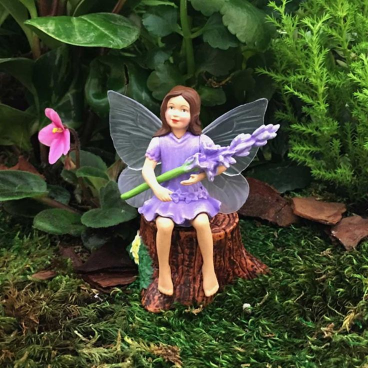 Flower Fairies Fairy Figure - Lavender Fairy-Toy Universe