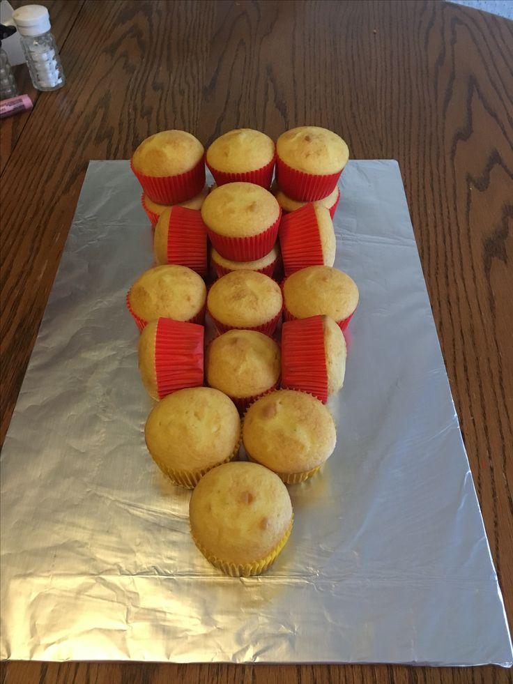 Race car cupcake cake cupcake configuration