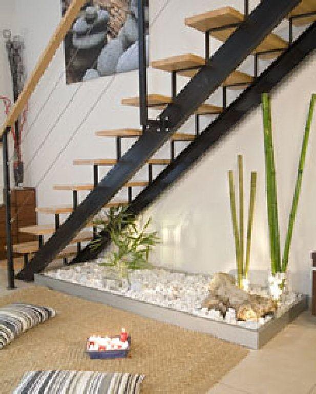 Como adornar una escalera en navidad buscar con google for Decoracion debajo escaleras