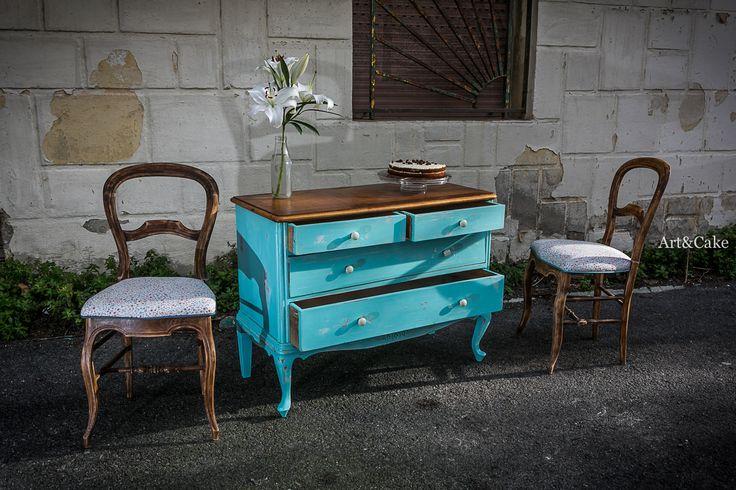 Ambiente sillas + cómoda restauradas Art&Cake! + decoración rastro vintage.
