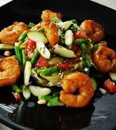 Garnalen met knapperige groente. Koolhydraatarm, gezond,eten