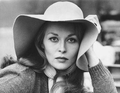 """Faye Dunaway -- So beautiful! Also, the typical and expected, """"NO WIRE HANGERS EVVVEEERRRR!!!"""" LOL"""