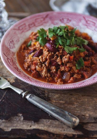 Chili con carne, enlever le bouillon de poulet, ajouter une conserve de mais, laisser mijoter 1h