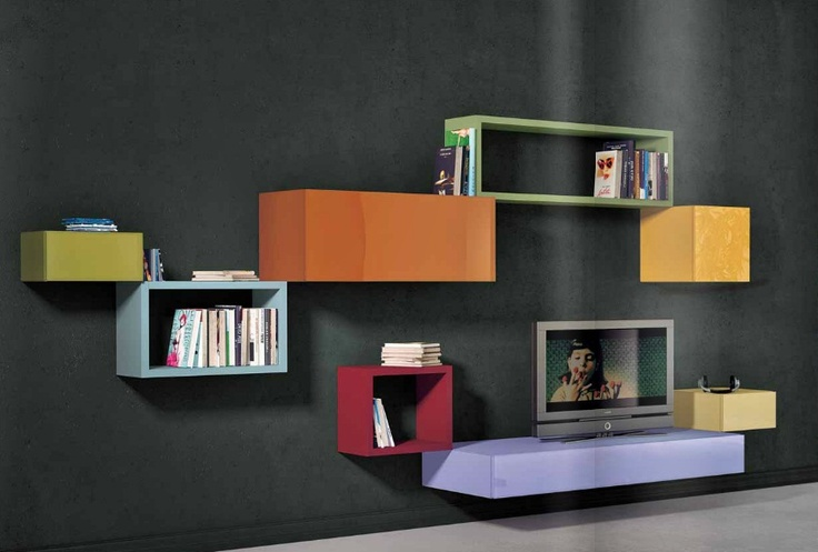 Lago 36e8 shelving 1 - Clever to have a mix of closed cupboards (as shelves) and shelves. Arrangement very nice decoratively also, not just practical.