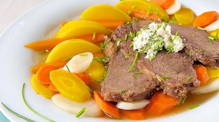 Rezept für Wiener Tafelspitz vom Rind mit Bouillongemüse und Kren