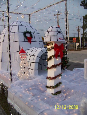 Penguin/Igloo Christmas Float