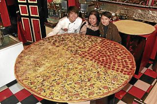 I would like to try to devour this World's Largest Pizza lol