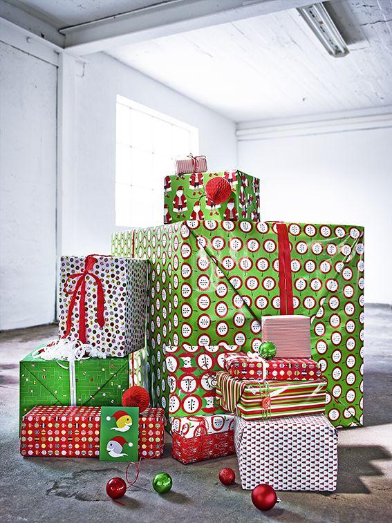 O destaque está no embrulho. Com a seleção de papel de embrulho e fitas no estilo escandinavo todos os presentes vão chamar a atenção debaixo da árvore.