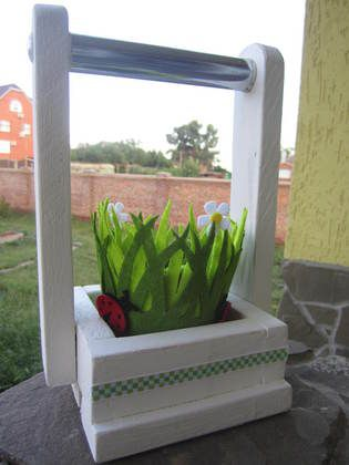 Decorate your #balcony or #patio with a creative #diy #planter:  http://www.1-2-do.com/de/projekt/Korb-fuer-die-blumen/anleitung-zum-selber-bauen/19491/