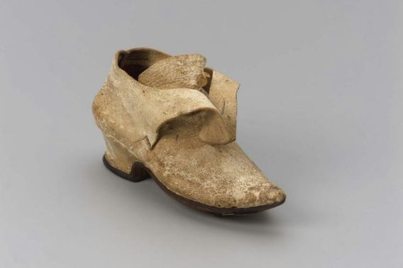 Girl's shoe  American, possibly 1730–50  New England, U.S.A.  DIMENSIONS  15 x 6.2 x 8.1 cm (5 7/8 x 2 7/16 x 3 3/16 in.)  MEDIUM OR TECHNIQUE  Leather  CLASSIFICATION  Costumes  ACCESSION NUMBER  68.596