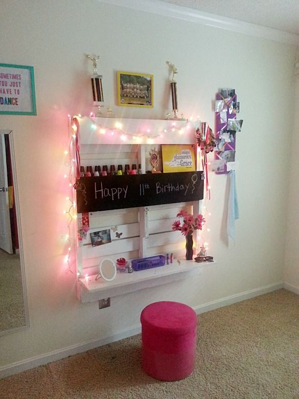 diy vanity for little girl. DIY Vanity Made From Pallet  cutest thing ever I would have been in heaven 66 best Big Girl Room images on Pinterest A flower Aqua nursery