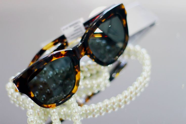 Stylish Ladies Sunglass