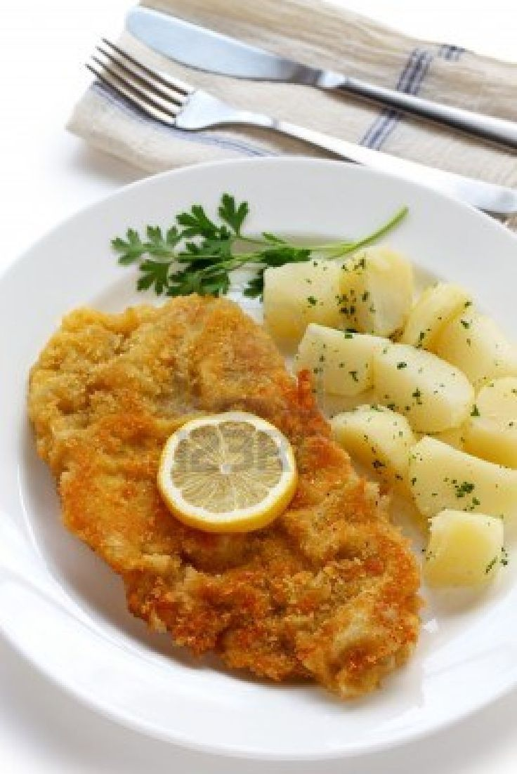 Wiener schnitzel was one of the foods that I loved eating growing up in Germany. Always served with boiled potatoes and sometimes a sunny side up egg, this would get you through the  coldest German winters.