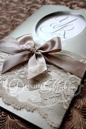 Invitación de bolsillo Vintage monograma por DreamMakersInvites