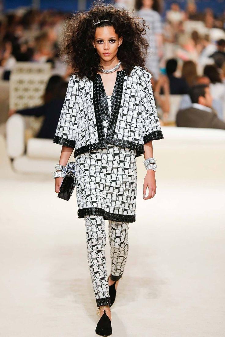 Chanel Resort 2015 Fashion Show - Binx Walton