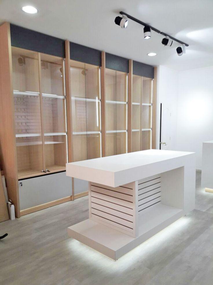 Tienda de Tecnología - Arquitectura interior