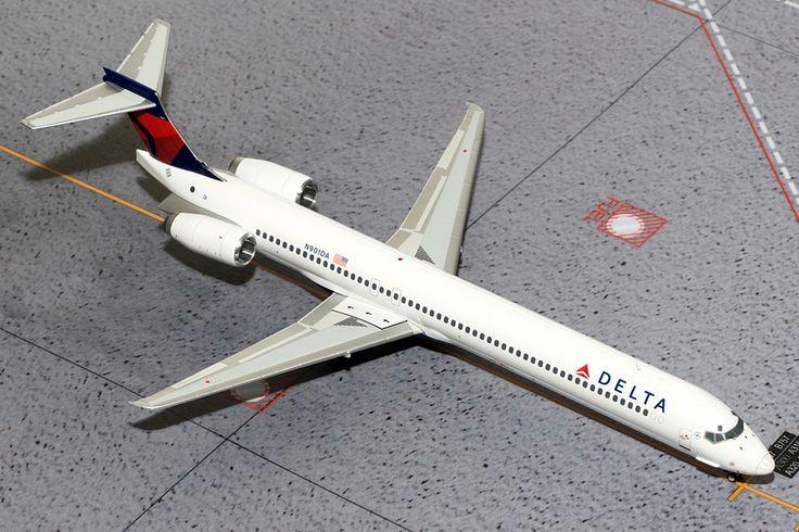 1/200 GeminiJets Delta Airlines McDonnell Douglas MD-90