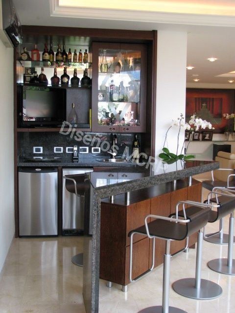 Mueble bar por dise o acabado chapilla de sucupire tope for Muebles bar diseno