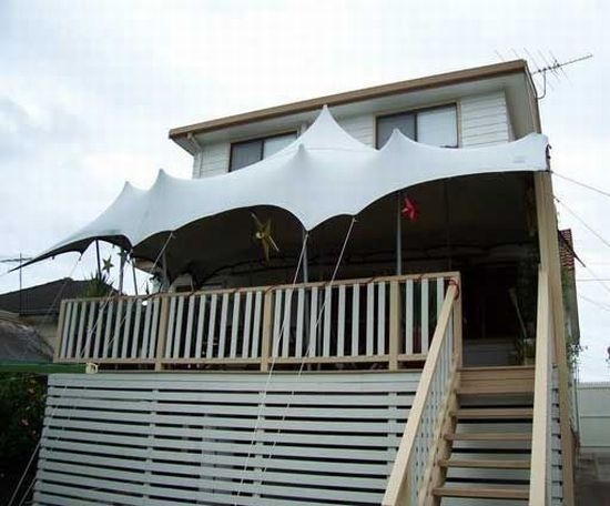 FlexTent 32 - Utterly Flexible - Rigged on the Balcony of a (Beach) House.